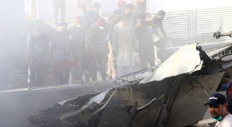 Samo dvoje preživjelih, 97 poginulih u zrakoplovnoj nesreći u Pakistanu
