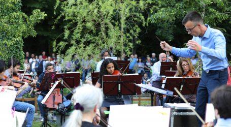 Zagrebačka filharmonija održala prvi koncert u zagrebačkom Zoološkom vrtu