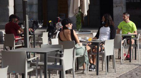 Madrid i Barcelona otvorili terase kafića zabrinuti turističkom sezonom