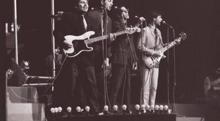 PRVI ALBUM 'IDOLA' 1981. : 'Dok dobuje kiša u ritmu tam-tama kroz noć…'