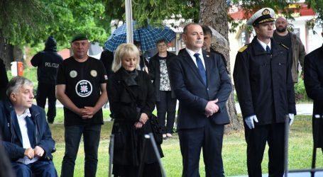 """Reakcije iz Okučana: """"Ovo nije majica HOS-a, Milanović je očito dugo u karanteni"""""""
