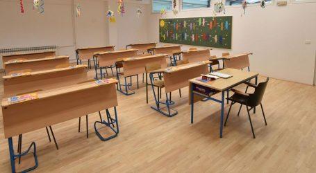 Učenici nižih razreda osnovne škole danas se vraćaju u školske klupe
