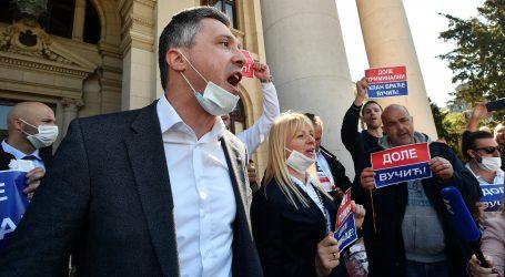 SRBIJA: Ekstremna desnica organizirala prosvjed, vrijeđala i napadala ministre