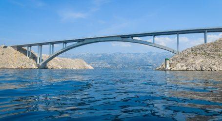 HAK: Paški most i autocesta kod dijela Sv. Rok-Posedarje zatvoreni za sav promet