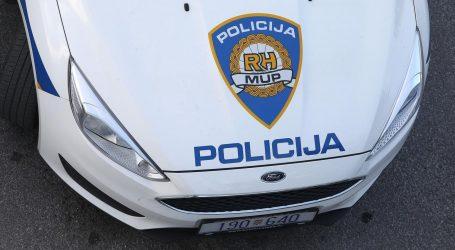 U Splitu noćas gorio osobni automobil, policija privela dvije osobe