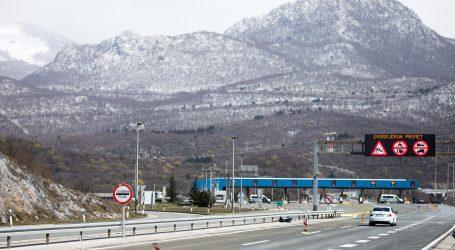 HAK: Zbog jakog vjetra dio autoceste otvoren samo za osobne automobile