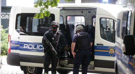 VIDEO:  Pogledajte snimku jučerašnjeg uhićenja dilera u Splitu