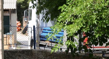 Šibenik: Cijevi s kamiona usmrtile muškarca