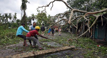 Počelo saniranje posljedica ciklona u Indiji i Bangladešu