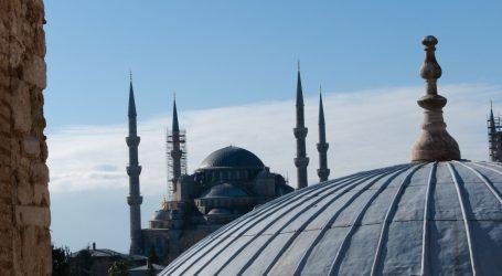 """HAKIRAN AUDIO SUSTAV: S turskih džamija se umjesto poziva na molitvu čula """"Bella Ciao"""""""