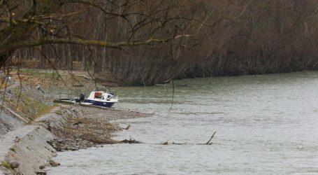 Pijan sletio autom u Dunav, suvozaču nije bilo spasa