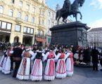 Prekrasne ukrajinske narodne nošnje inspiracija i dizajnerima