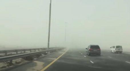 Više vozila zameteno u azijskoj pješčanoj oluji