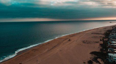 Stanovnici južne Kalifornije vraćaju se na plaže