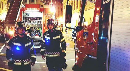 VIDEO: NA SREĆU BEZ LJUDSKIH ŽRTAVA: Urušilo se krovište u centru grada