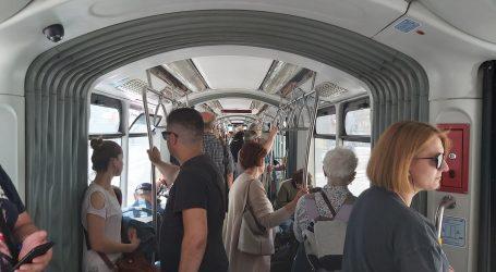 Prepuni zagrebački tramvaji – leglo smrada i potencijalna izvorišta zaraze!?