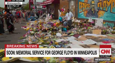 VIDEO: Građani polažu cvijeće i dolaze se moliti ispred trgovine gdje je ubijen Floyd