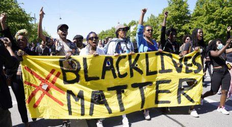 KAOS U SAD-U: Američki gradovi zbog nereda produljili policijski sat, raspoređuju vojsku