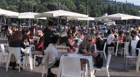 Zemlje ublažavaju restriktivne mjere, otvaraju se restorani, parkovi