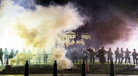 """KAOS: Bijela kuća poziva na """"zakon i red"""" dok prosvjedi bjesne diljem zemlje"""