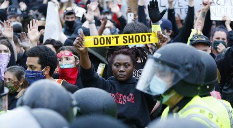 """BUSH: """"Ovo je tragičan neuspjeh. Kako ćemo okončati sistemski rasizam u našem društvu?"""""""