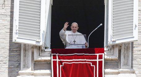 Papa Franjo upozorio Talijane da ne proglase prerano pobjedu protiv covida-19