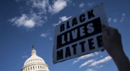 Prosvjedi u SAD-u traže reformu policije nakon Floydova ubojstva