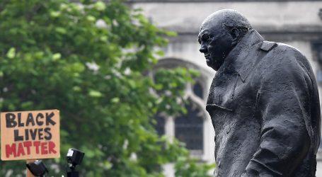 """Boris Johnson osudio nagrđivanje spomenika: Ne možemo """"fotošopirati"""" povijest"""