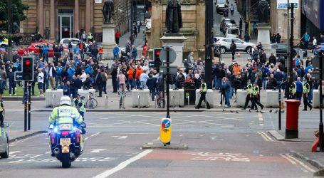 Britanska policija ponovno napadnuta dok je rastjerivala tulum u Londonu