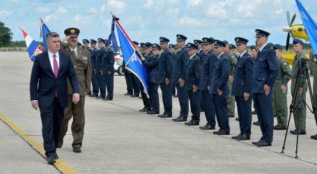 VIDEO: Predsjednik Milanović dodijelio letačke znakove pilotima HRZ-a
