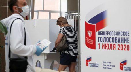 Rusi glasaju na referendumu o ostanku Putina na vlasti