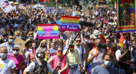 U Berlinu tisuće na zamjenskoj Povorci ponosa