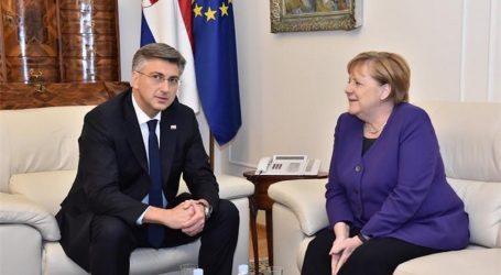 """VLADA: """"Merkel pohvalila postignuća hrvatskog predsjedanja"""""""