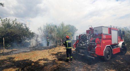 VIDEO: KAŠTEL SUĆURAC: Buknuo veliki požar u blizini kuće Blanke Vlašić, bura se smirila