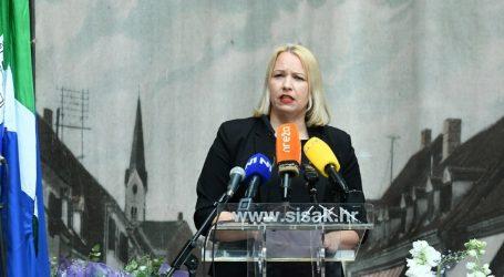 """IKIĆ BANIČEK: """"I dalje nije prekasno da se hrvatski premijer sjeti na čelu koje je države"""""""