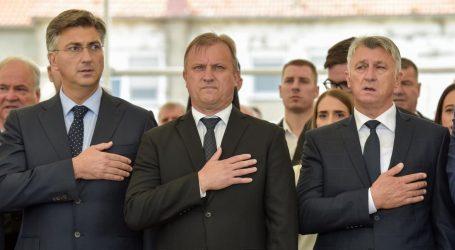 Zadarski župan i gradonačelnik završili u samoizolaciji