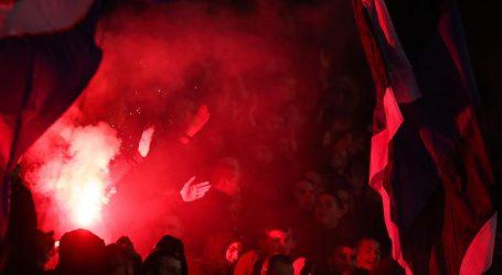 Zagrebačka policija privela četiri osobe zbog gnjusnog transparenta