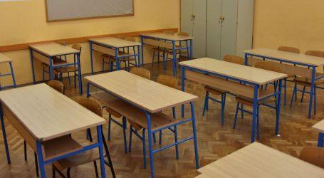U OŠ u Splitu cijeli razred nije došao na nastavu, zaražen djed učenika