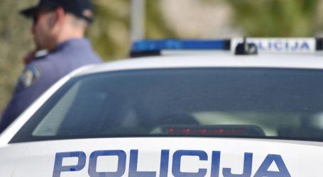 NOĆNA JURNJAVA: Divljao autom, bježao policajcima pa ih ozlijedio