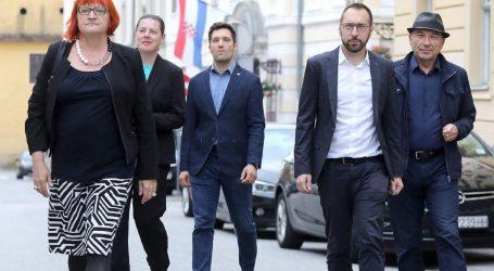 Koalicija 'Možemo' jedina rodno paritetna, žene nose liste u šest jedinica