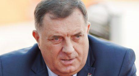 """Dodik: Izbjeglice """"ogromna sigurnosna prijetnja"""", granicu BiH """"hermetički zatvoriti"""""""