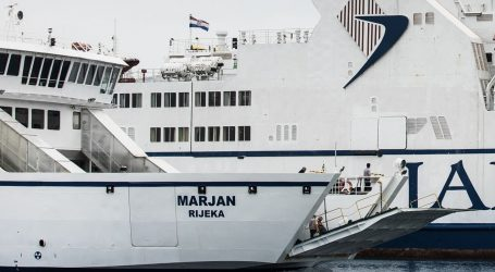 HAK: Kolnici mokri i skliski, problemi u pomorskom prometu