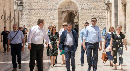 """Bernardić: """"Naš prvi potez produljenje mjera za oporavak gospodarstva i turizma"""""""