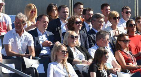 """Ministre Beroš, nije istina da je premijer """"poštovao sve preporuke"""""""