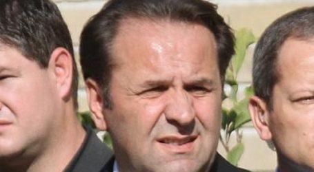 Srpski političar Rasim Ljajić skočio s pozornice među publiku