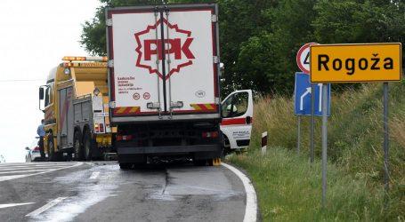 Nesreću kod Garešnice uzrokovao neobjašnjiv prijelaz u suprotni trak