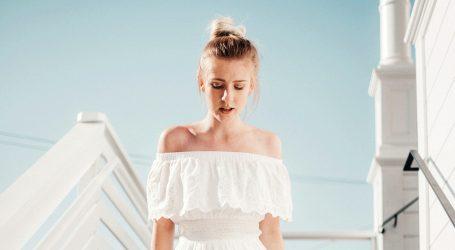 Tatiana Kurnosova preporučuje retro izgled u bijelom