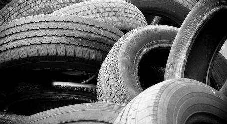 RIJEKA: Nepoznati počinitelj izbušio gume na čak 12 automobila