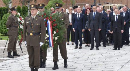 Povodom Dana antifašističke borbe položeni vijenci na Mirogoju