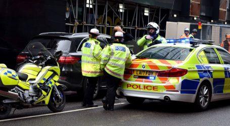 U neredima u Londonu ozlijeđeno 15 policajaca